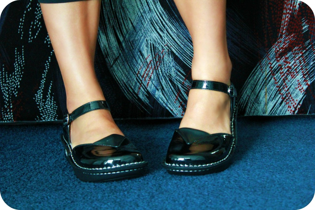 A pair of legs showing off the shoes. Alegria Shoes- Review!