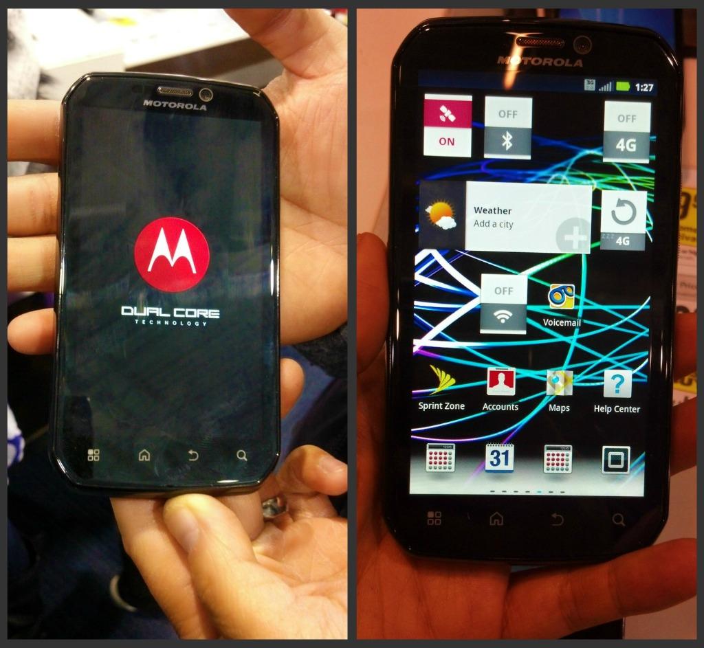 The Motorola Photon turning on.