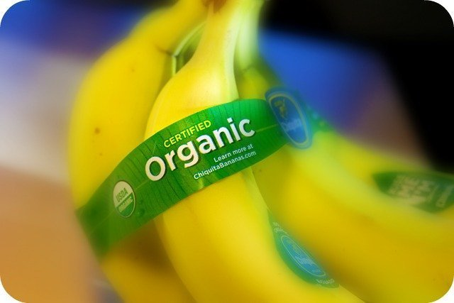 A bunch of organic bananas. Food Ingredients to Avoid