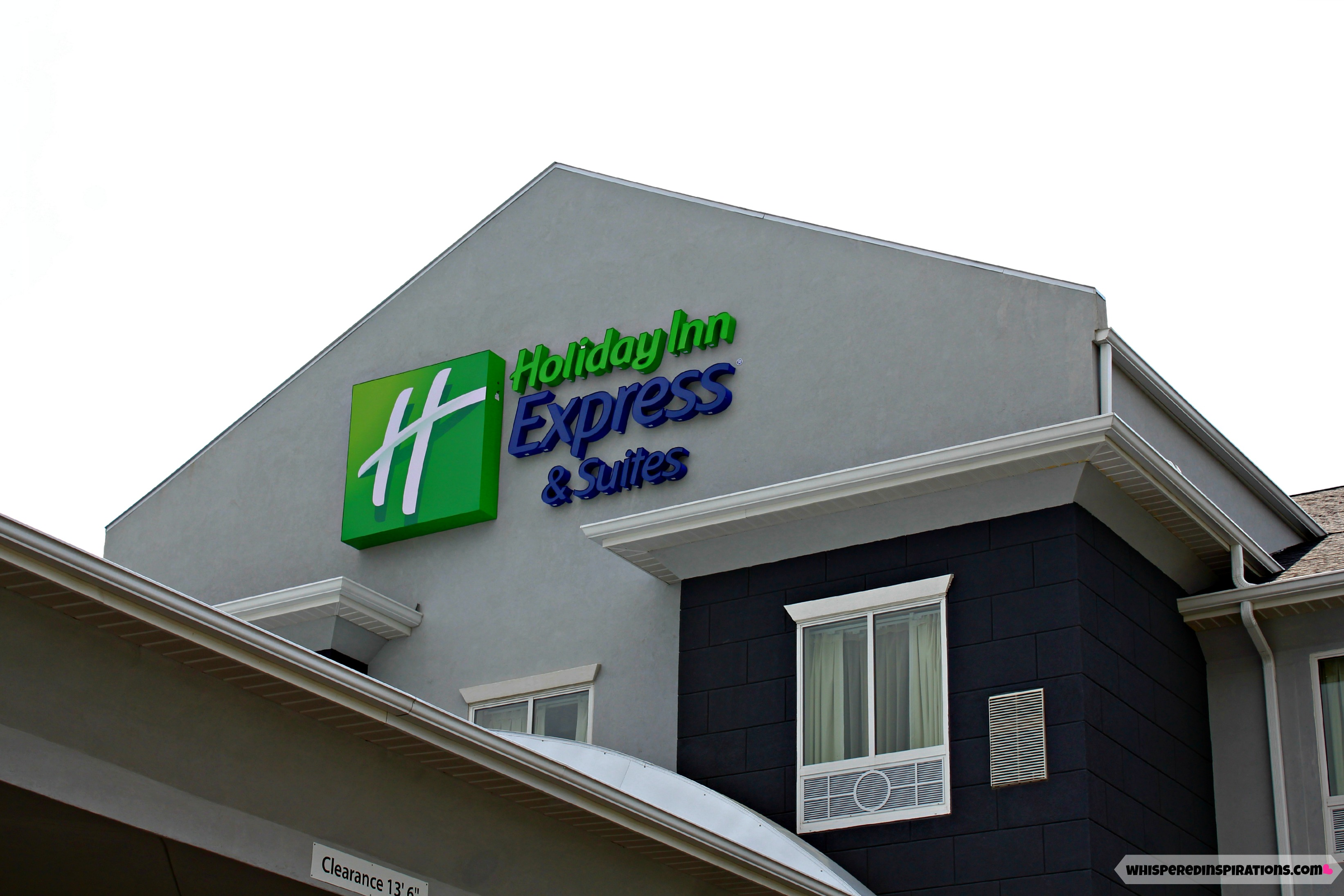 Holiday Inn Express & Suites: Check Out This Beautiful Gem in Fremont, Ohio! Stay Inspired, Get Refreshed and Relax with Your Family at the Holiday Inn Express! #travel