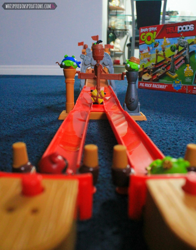 Angry Birds GO! TELEPODS: Racing with The Pig Rock Raceway Set!