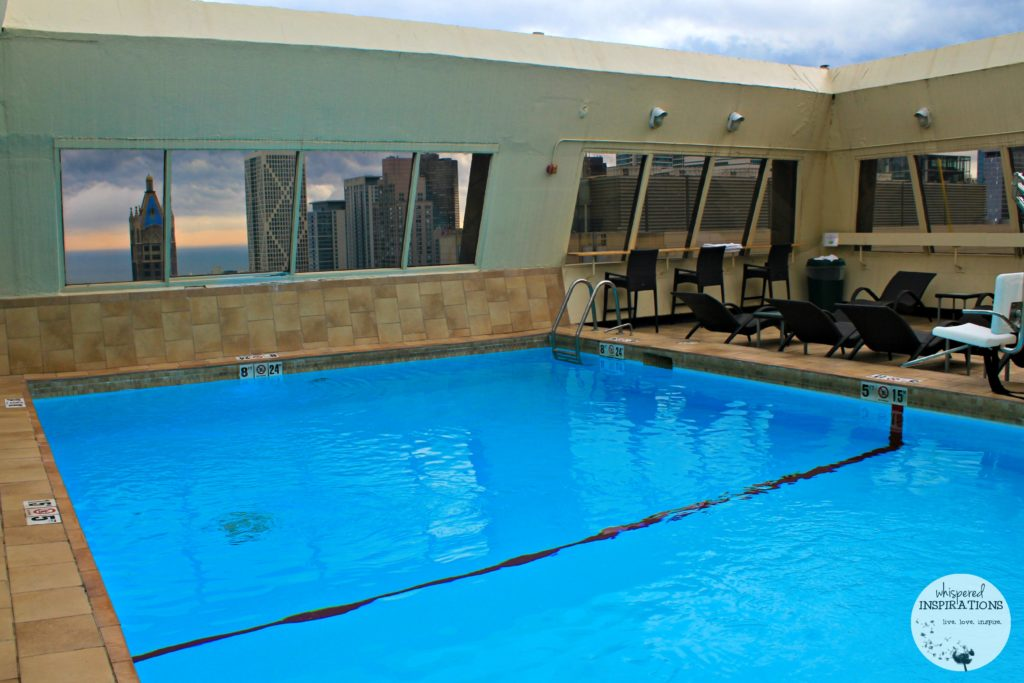 Avenue Crowne Plaza Chicago Magnificent Mile: Taking on Chicago for A Girl's Getaway! #travel
