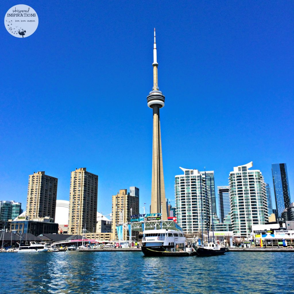 Touring Toronto by Foot: Discover Toronto's Best Tours & Take In the City and Local Attractions! #travel