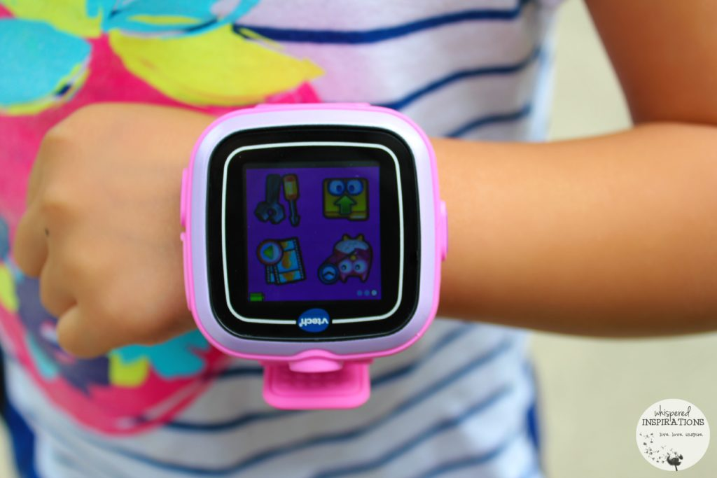 VTech Kidizoom Smartwatch: Perfect for Young Photographers and Tech Savvy Kids! #toys