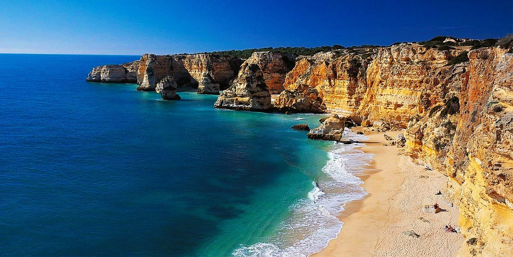 foreign travel advice portugal health