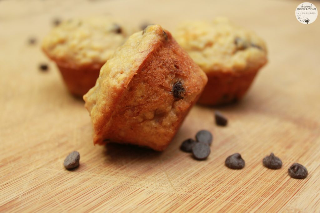 The Perfect Mini Banana Chocolate Chip Muffins for School Lunches! #recipe