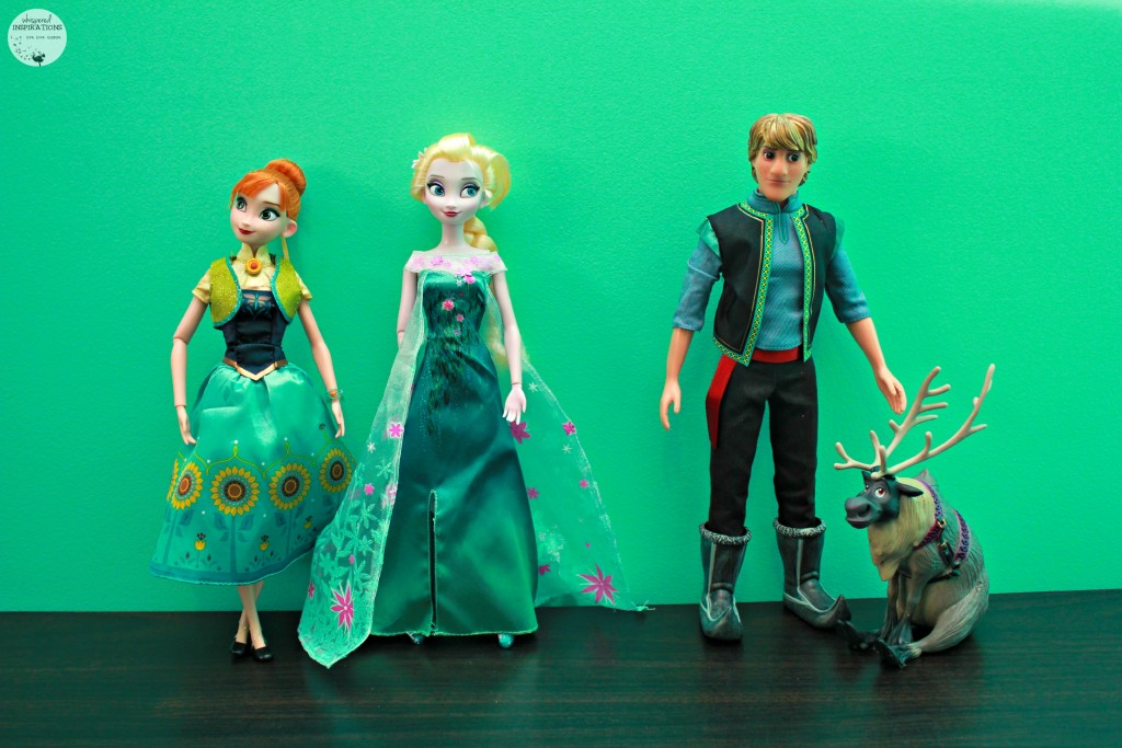 Disney-Frozen-Doll-Gift-Set-02