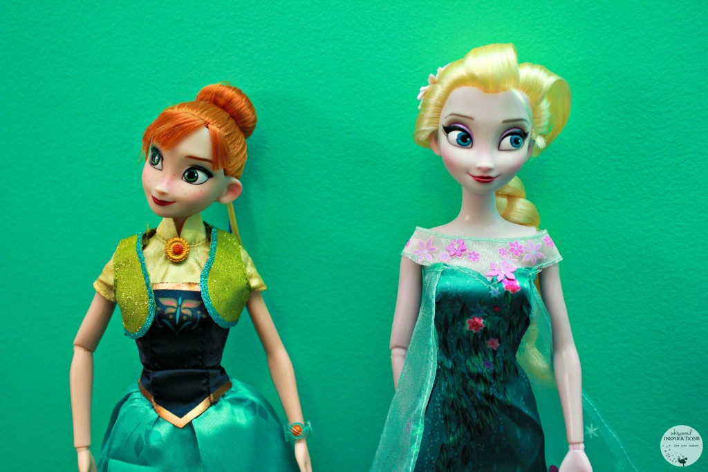 Disney-Frozen-Doll-Gift-Set-03