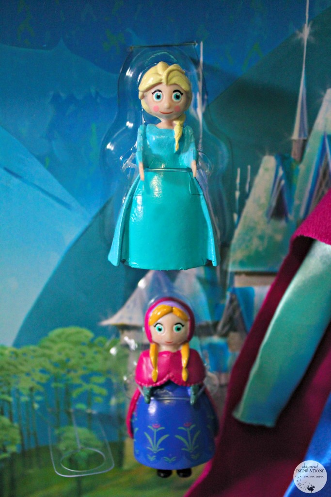Disney-Frozen-Doll-Gift-Set-07