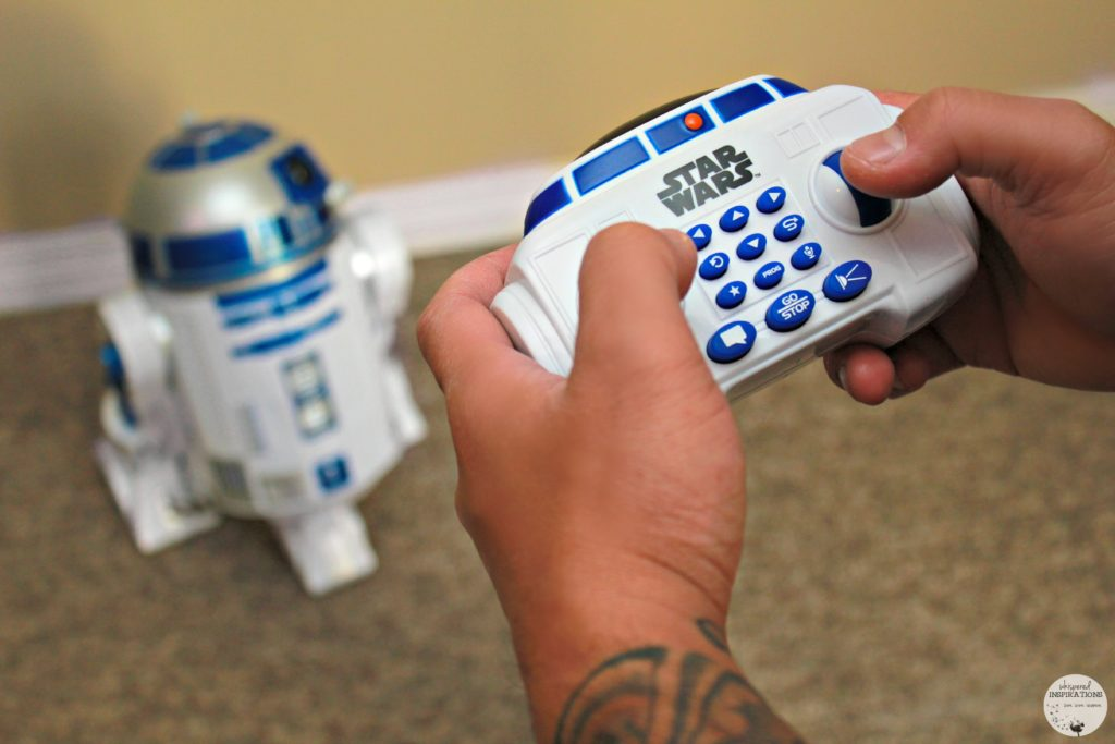 Thinkway Toys: Control an R2D2 Interactive Robotic Droid. The Force is Strong With You.