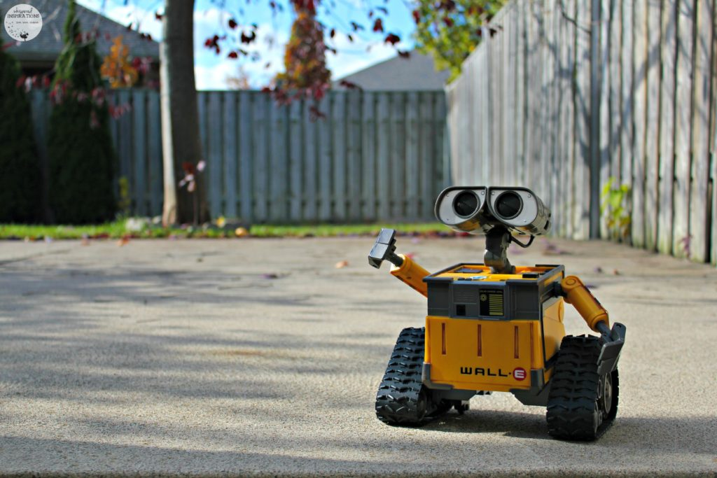 Disney Pixar Collection U-Command Wall-E: Control His Expressions, Movements and More!