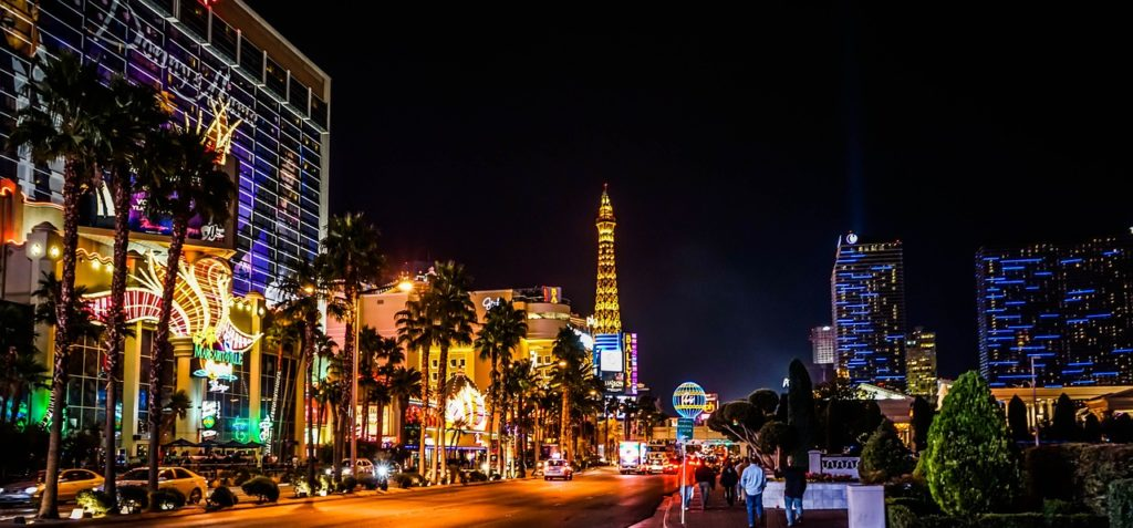 8 Things to Do in Las Vegas on St. Patrick's Day! #travel