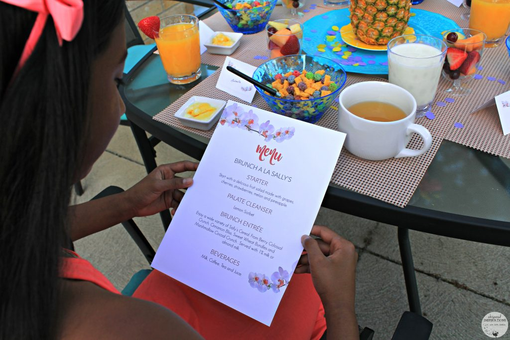 Have a Summer Patio Brunch à La Sally's Cereal with FREE Menu & Place Cards + Giveaway! #SallysCerealDIY