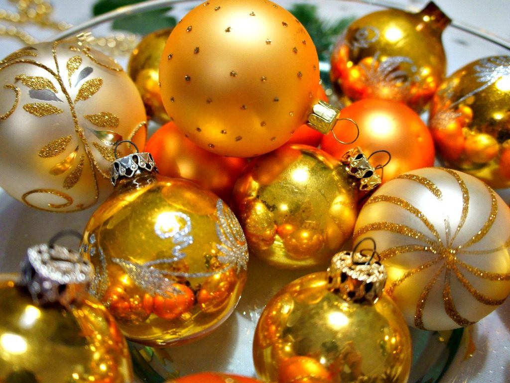 Repurpose Old Holiday Decor
