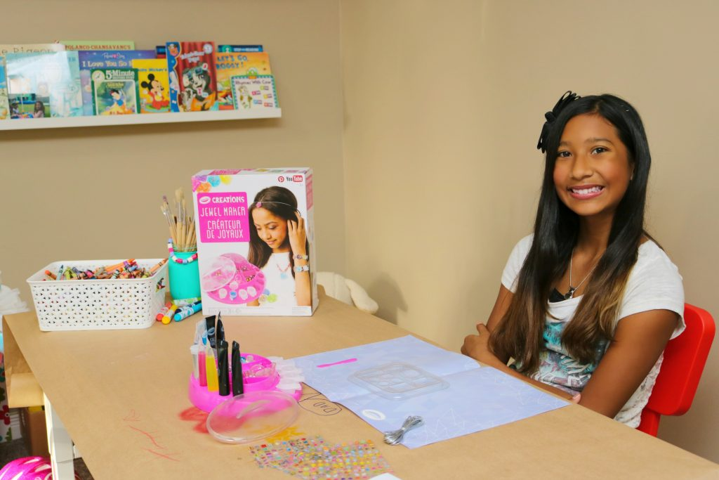 Let Your Kids Create Jewelery & More with the Crayola Creations Jewel Maker!