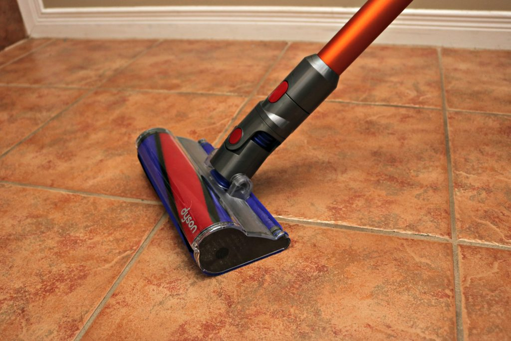 The tile attachment on the Dyson V8 Absolute.