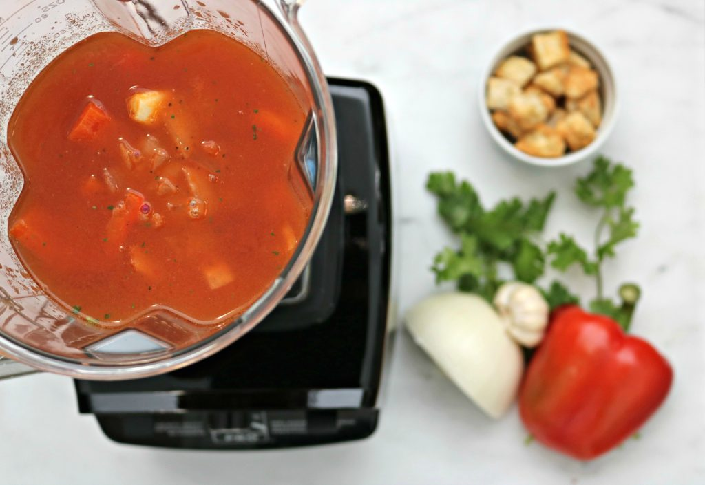 Creamy Red Pepper and Tomato Blender Soup + a Kenmore PRO Heavy Duty Professional Blender Giveaway!