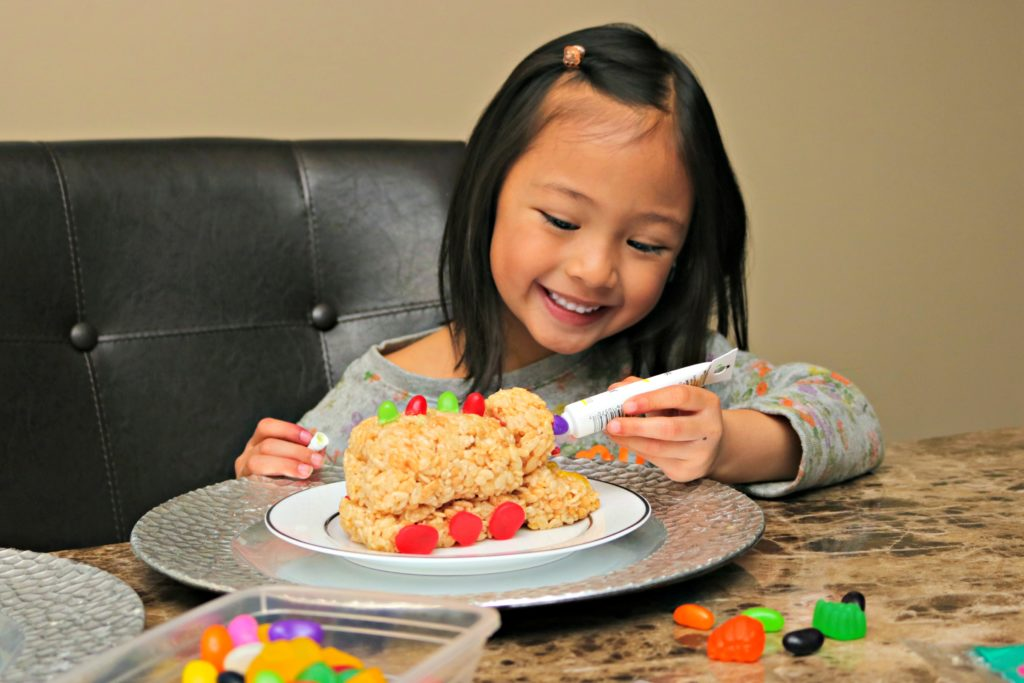 Rice Krispies Treats for Toys: Make a Lasting Difference in a Child's Life this Holiday! #TreatsForToys