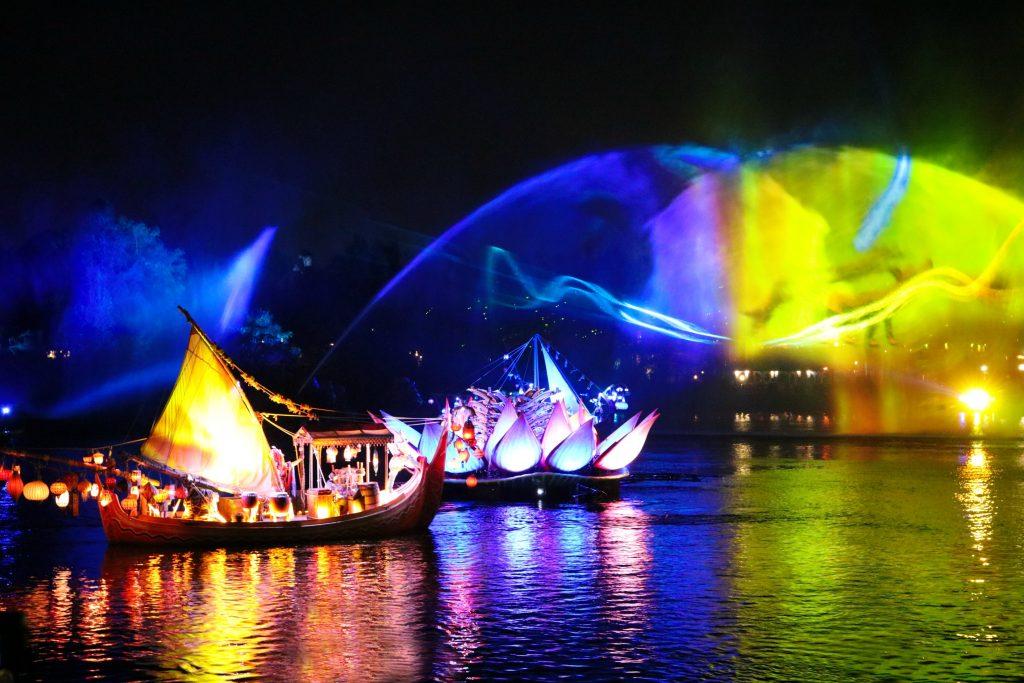 Disney S Animal Kingdom New Rivers Of Light Show The