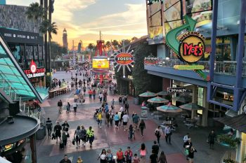 Fun and Entertainment While Exploring CityWalk in Orlando! #UniversalMoments