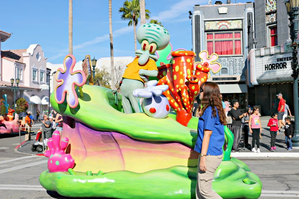 Squidward poses all sassy for the camera on his float.