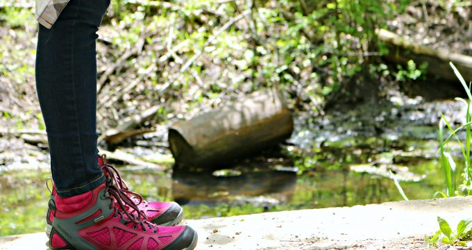What to Pack When Hiking with Kids + Top Family Friendly Trails in Ontario! #TakeAHike