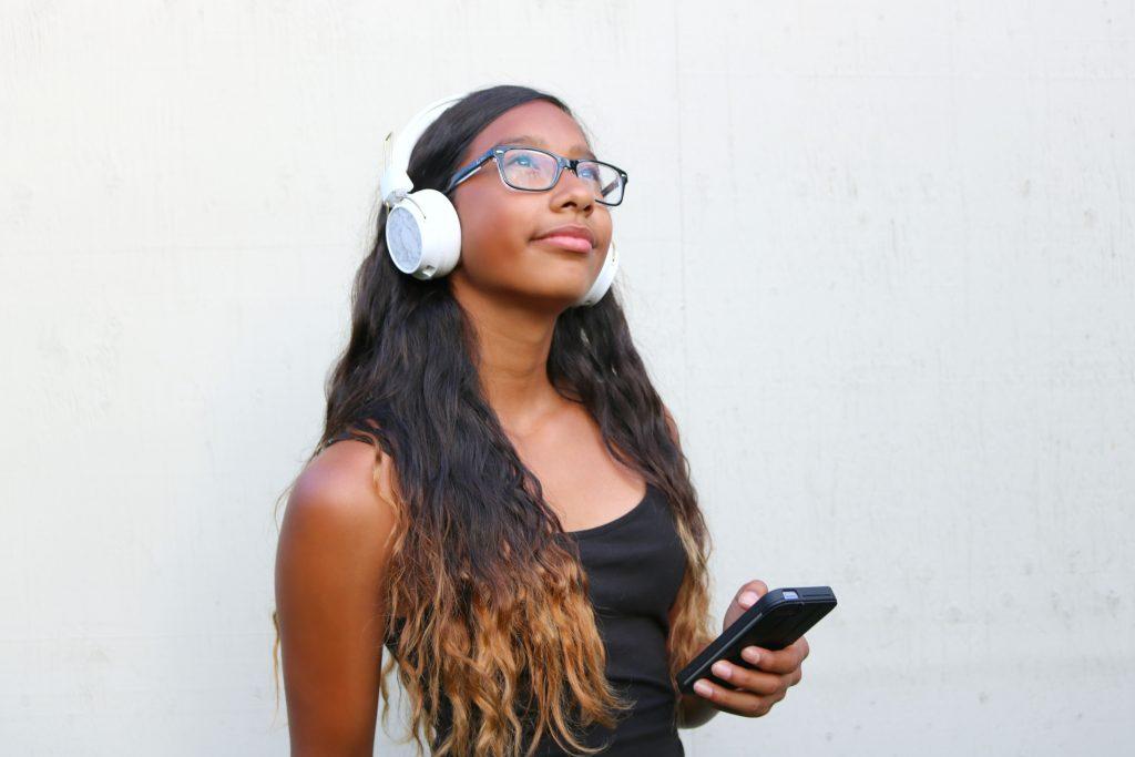 6 Reasons Why You'll Love the Sudio Sweden Regent Headphones!