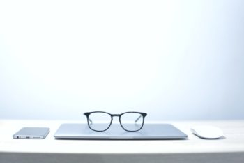 Top 4 Factors to Consider When Choosing Frames for Your Glasses!