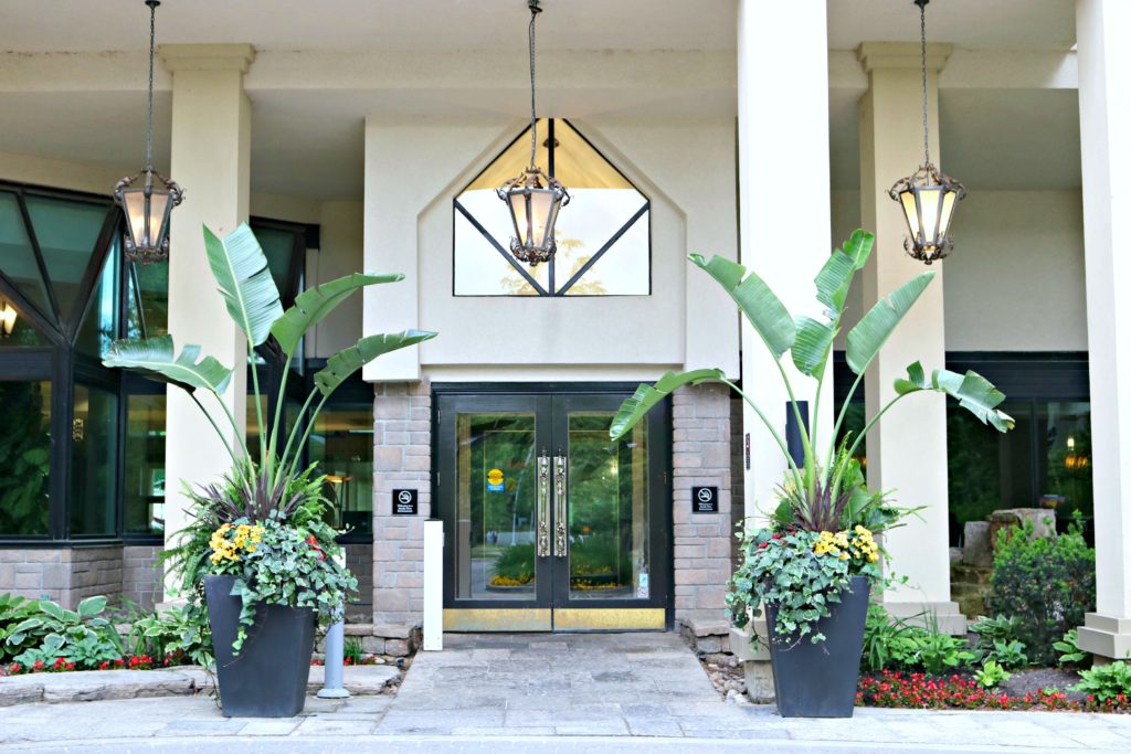 The entrance at Hockley Valley Resort.