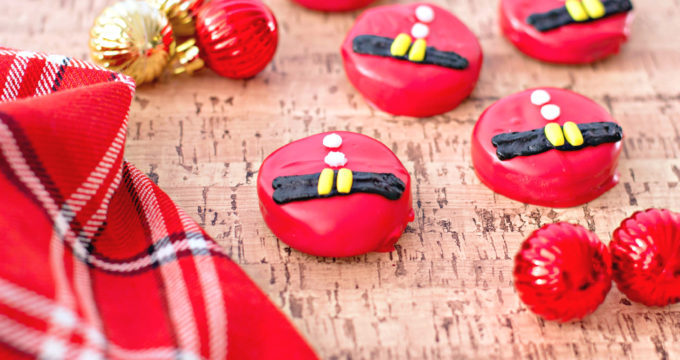 Santa Belt Chocolate Covered Oreos