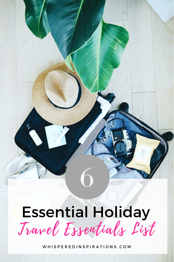 Essential Holiday Travel Essentials List. If you are travelling to escape the cold or to visit family during the holidays, you'll need a well-packed bag. #holidaytips #travel #traveltips