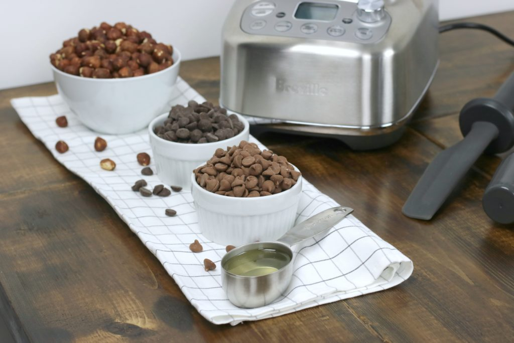 4 ingredients needed to make hazelnut spread with the Breville Super Q blender.
