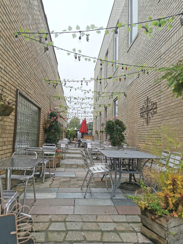 The outdoor patio at Magdaleno Ristorante.