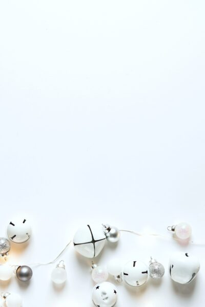 Christmas-Decorations-White-Silver-